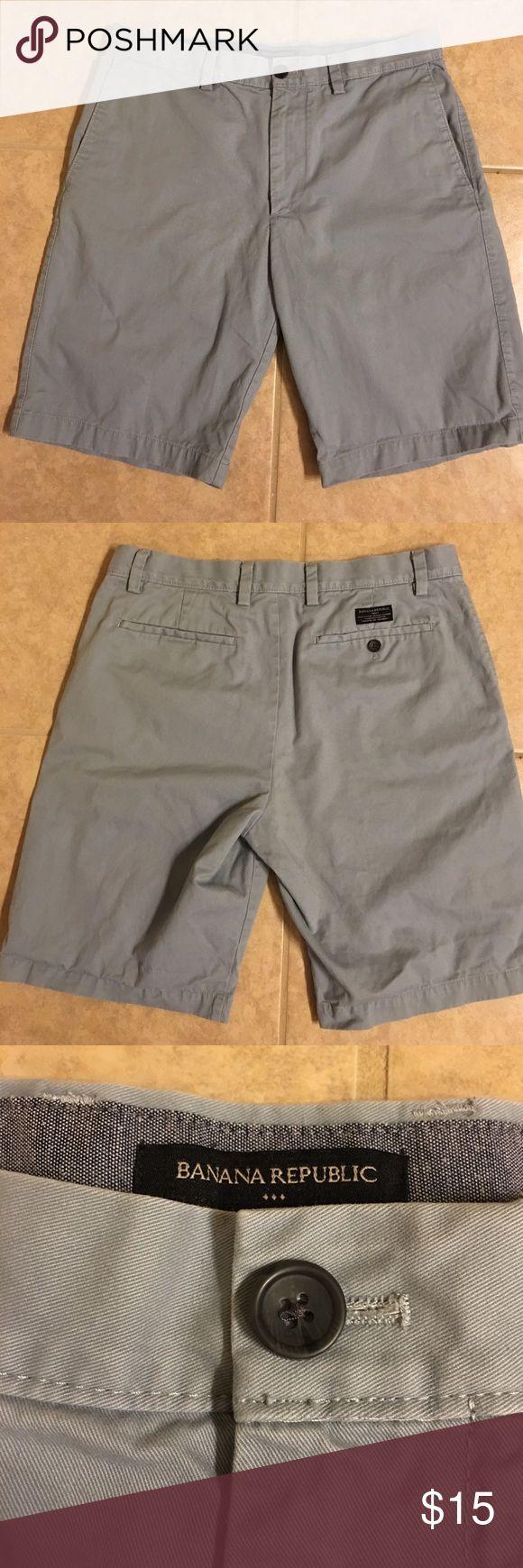 "☀️Men's Banana Republic Chinos Shorts W33"" Men's Banana Republic Chinos Shorts.  Waist 33"".    Light blue.  Great condition!  Smoke-free home, bundle and save! Summer is coming!  ☀️ Banana Republic Shorts Flat Front"