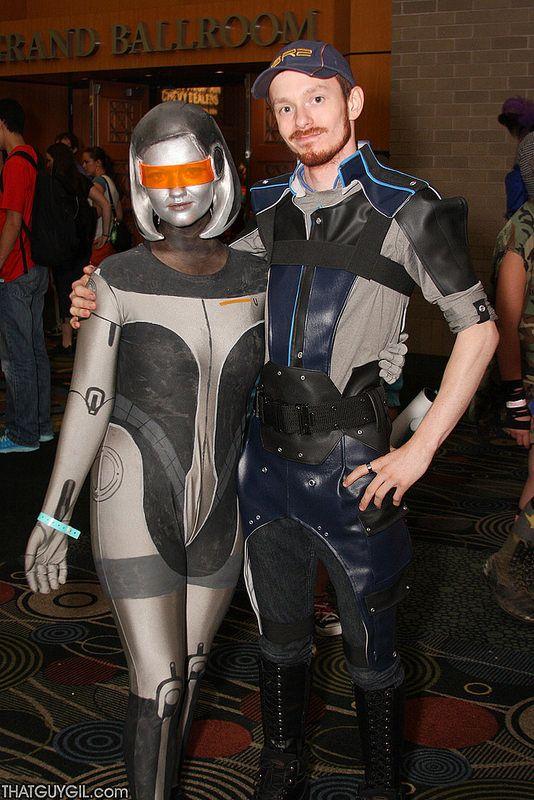 SALT LAKE COMIC CON 2014 - Mass Effect 3 -Joker & EDI #romance #couple #cosplay