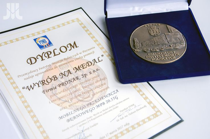 """During the 23rd international """"Agrotech"""" fair in Kielce, Pronar received the """"Product for a medal"""" award from the Industrial Institute of Agricultural Engineering in Poznań. The prize was awarded for Pronar Mobile Trommel Screen MPB 20.55G."""