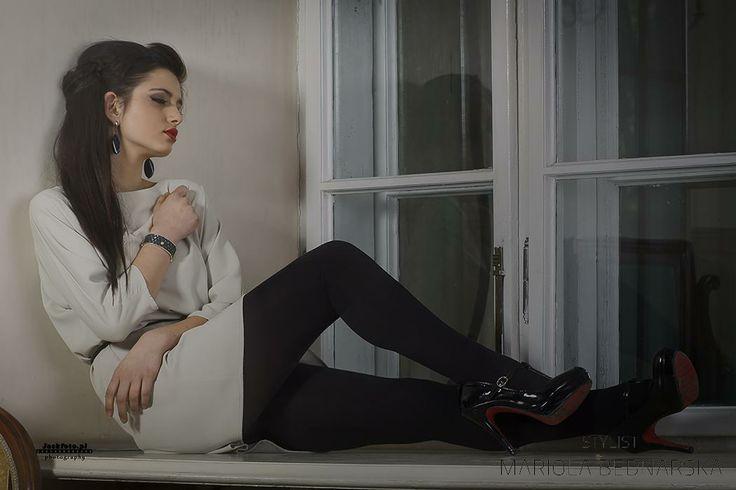 Photo: Jacek Kaczmarczyk Model: Agata Wójcik Design: Aleksandra Król Make up: Mariola Bednarska  #kielce #sesja #makijaz #fashion #projektantka #photoshoots #makeup #makeupartist #poland #muamariola