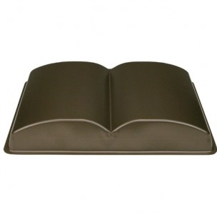 Hoogwaardige bakvorm in de vorm van een opengeslagen boek met anti-aanbak laag voor een perfect resultaat en jarenlang bakplezier.
