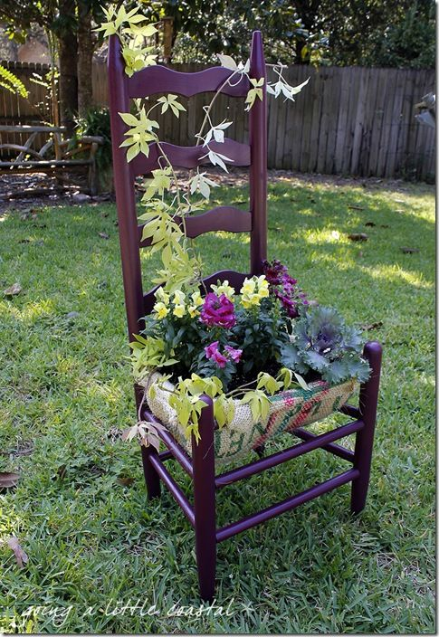 Will make a similar chair planter with old farmers chairs for Ideas para decorar tu jardin