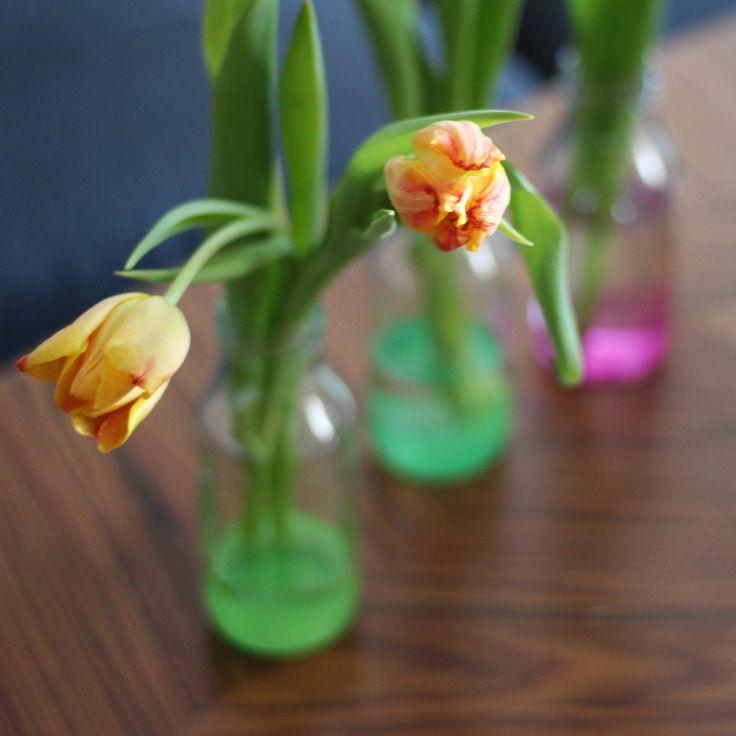 DIY värikkäät maljakot