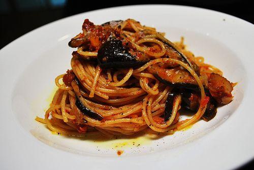 Φανταστικό+σπαγγέτι+με+σκόρδο+και+μελιτζάνες