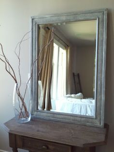 GoodWill Mirror Makeover - Gold to Beachy Diy paint Beachy mirror frame