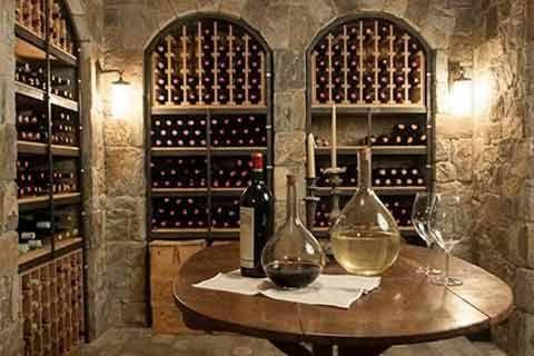 Une cave à vin, c'est le plaisir du goût associé à celui de la vue. Quelques conseils pour choisir l'option la mieux adaptée à vos besoins.