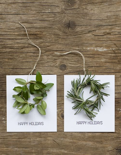DIY Mini Wreath Holiday Cards - these would make great gift tags