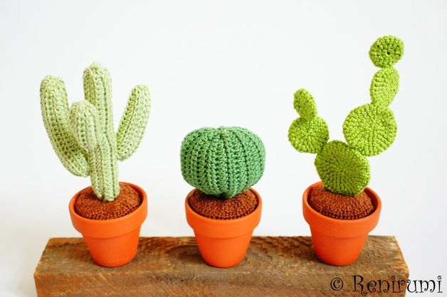 Kaktus-Häkelanleitung, Sukkulente einfach häkeln / cactus crocheting tutorial, how to crochet a succulent made by Renirumis Kleinigkeiten via DaWanda.com