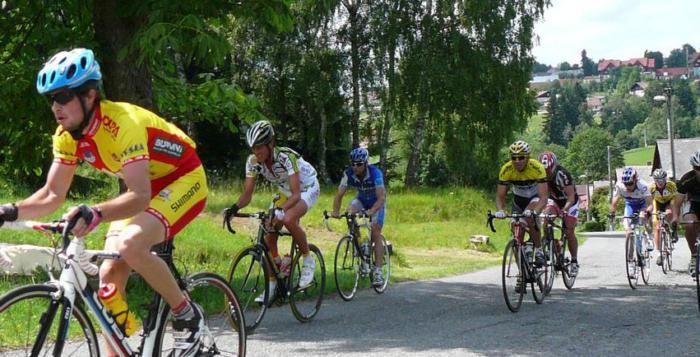 Cyklistická Kašperská 66 láká desítky závodníků