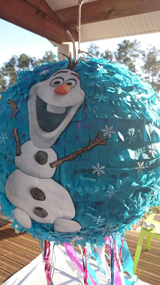 Pinata reine des neige. Olaf