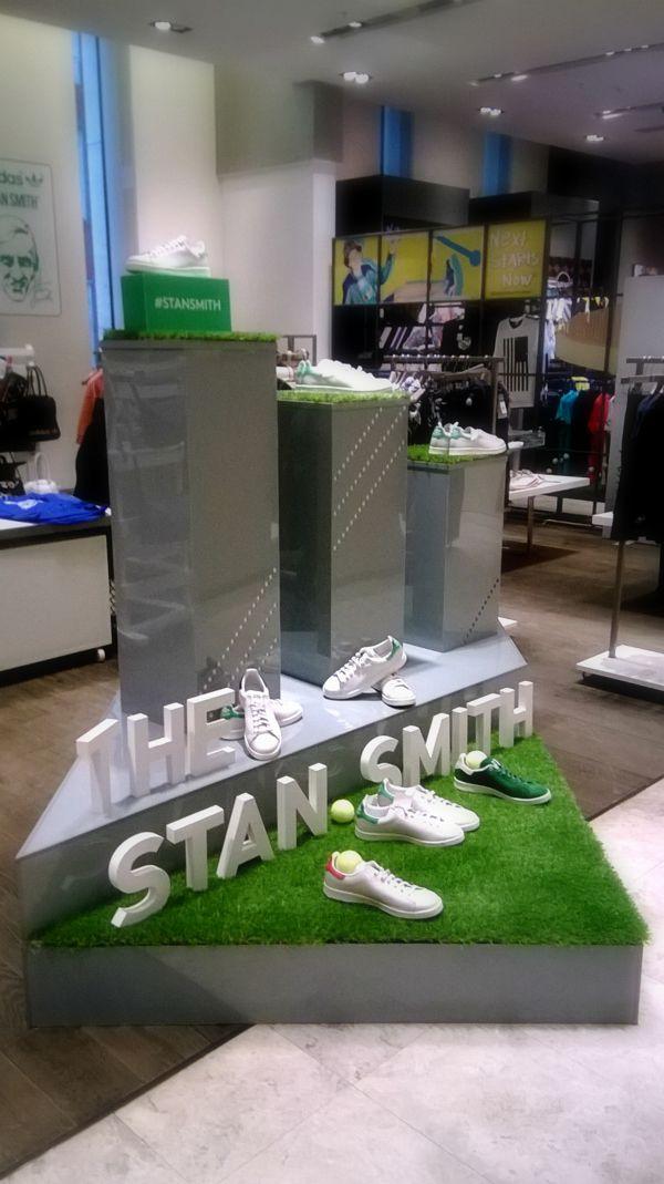 "Оформление магазинов для акции ""STAN SMITH"" Adidas by Anna Kharchenko, via Behance"