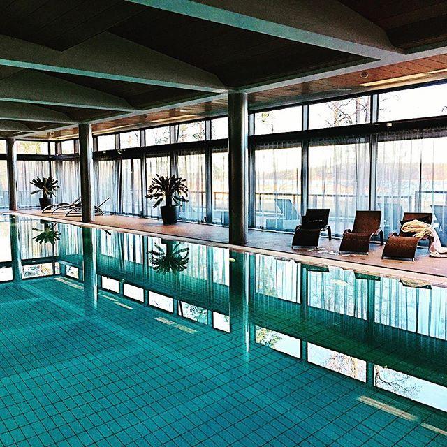 Relaxing weekend#långvik #langvikhotel #hirsala  #relaxingplace  #finland #finland_today#wellnesshotels#spahotels#spahotel#poolarea http://www.langvik.fi/