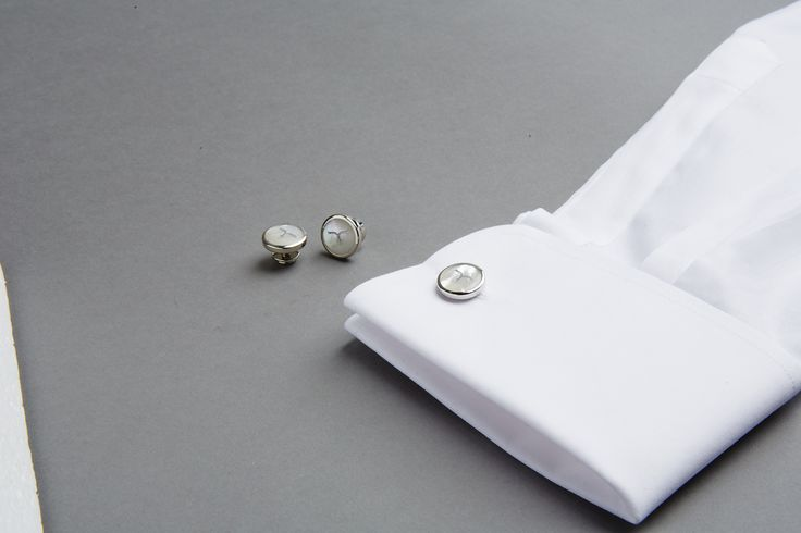 Larusmiani cufflinks. Details which make the difference