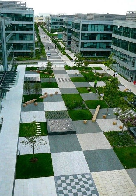 public space by cigler marani architects, prague - Um espaço gigante vazio não é necessariamente um bom espaço! Apesar de que esse aí está mais para um pátio. Não tenho certeza do que se trata.