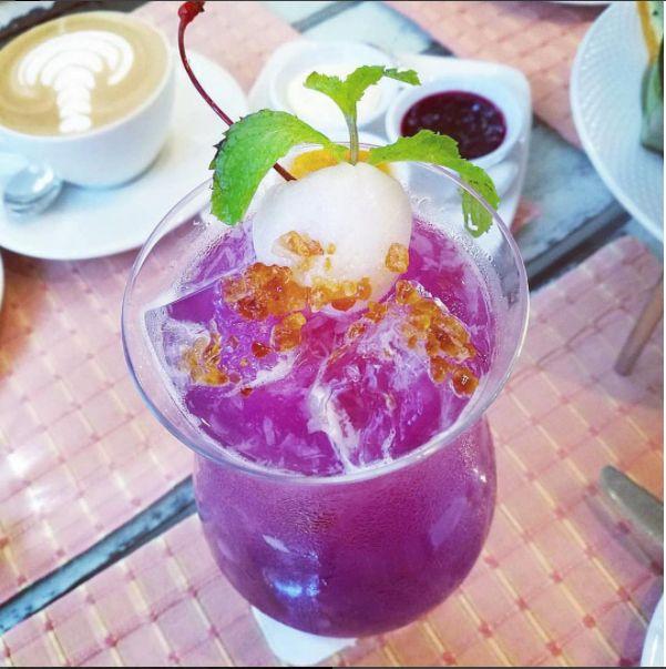 #purp #lepurp #purple #violet #vibe #drink #cocktail #drinks #tipsybartender #purppapi #mixology #bartender #drinkoftheyear #vibe #love #fashion #beautiful #cute #design #lifestyle #highend #spirits #champagne #lounge #moonshine #vodka #wineexpo #bestdrink #prowein #alcohol