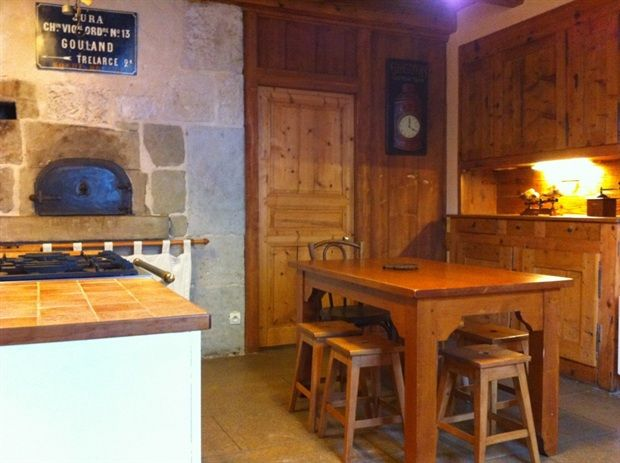 Location vacances Les Rousses. Annonces de location saisonnière de vacances à Les Rousses en Jura de particuliers.