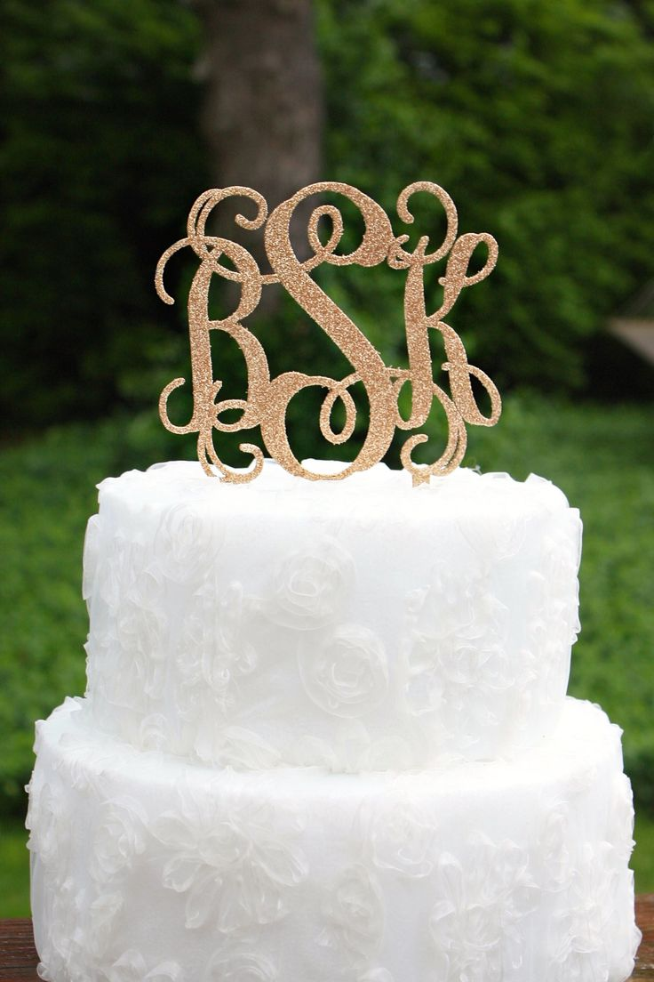 wedding cake monogram toppers best 25 monogram wedding cakes ideas on 23277