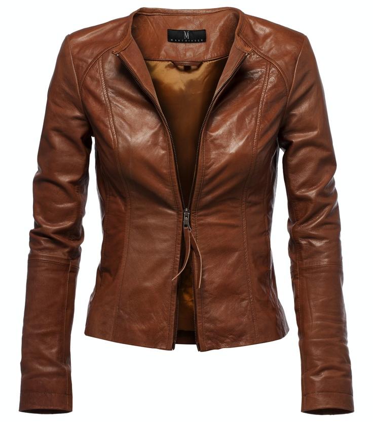Een mooi leren jack blijft een must have voor in je kledingkast ook dit seizoen. Dit model is door Mart Visser ontworpen, speciaal voor V!