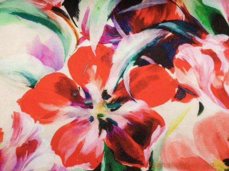 Плотная, пластичная, приятная тактильно, плательная ткань (умягчённый лён) с шикарным акварельным рисунком. Фон молочный.  #ткани #тканидешево #лен #новинки #new #orangecolor #цветапельсина
