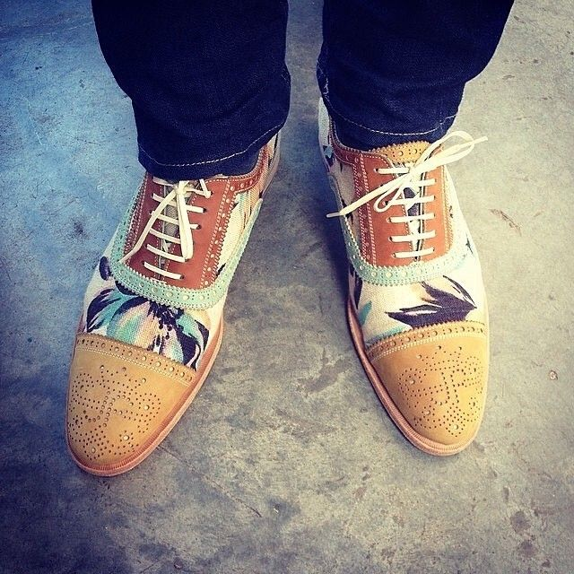 What do you thinks if these #vog_brandenburg @fluevog shoes for a casual spring day? Via @cursorandthread // Menswear style inspiration || #mnswr #menswear #mensfashion #mensstyle #style #sprezzatura #sprezza #styleformen #bespoke #mentrend...