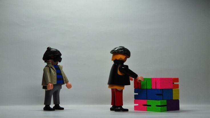 Pete & Rob versus Cubebot | Playmobil® Stop Motion Film 058