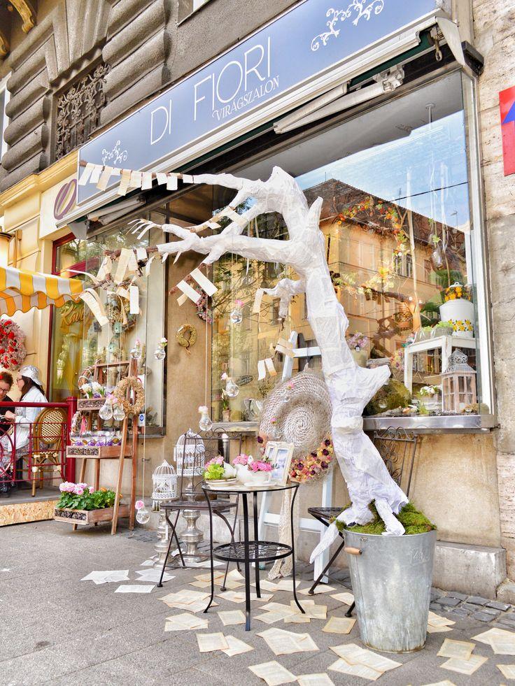 Utcai instaláció Vintage stílusban @DiFiori Virágszalon