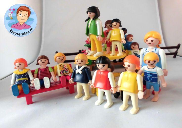 Klassenfoto maken van Playmobilpoppetjes met kleuters 2  , kleuteridee.nl, thema fotograaf