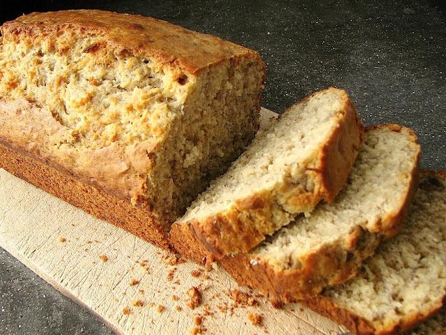 Banana Oat Bread. Cut recipe by 1/3 but 2 mooshed banana's didn't ...