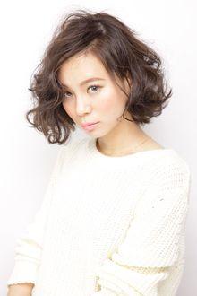見る角度によって微妙に色が変化するモードテイストなカラー|AFLOAT JAPANのヘアスタイル