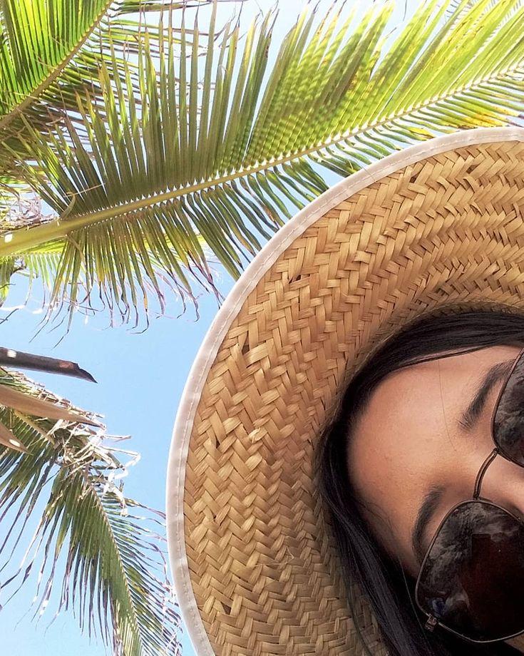 Aquela fotinha bem menina praiana pra encerrar o feed 2018 💛🌞 #chapéudepa…