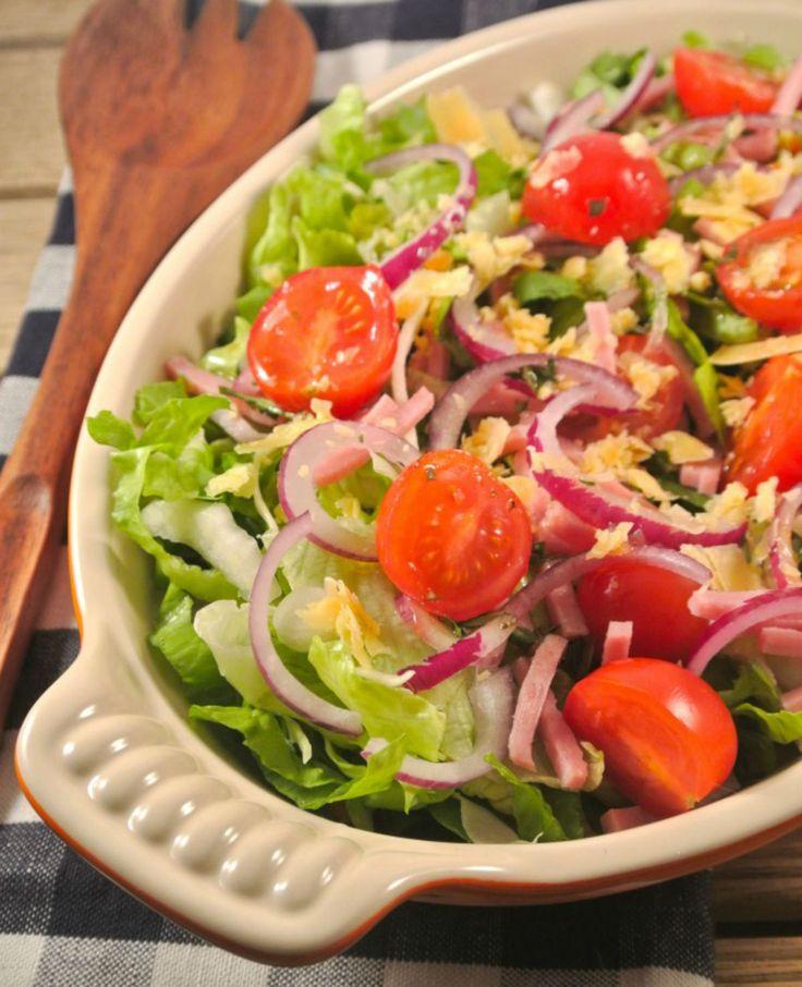 Salade met balsamico-dragon dressing. Deze salade is snel en makkelijk te maken en heerlijk als voorgerecht of lunch!   Flairathome.nl #FlairNL
