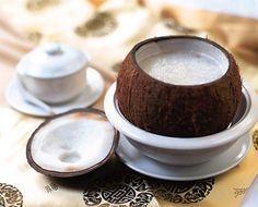 Il latte di cocco è un potente alleato per la bellezza della pelle e dei capelli. Le sue proprietà antiossidanti, derivate dalla quantità di selenio contenuto al suo interno, sono efficaci per combattere le rughe e levigare la pelle, donandole freschezza e idratazione. Non solo, il latte di cocco nutre in profondità i capelli e …