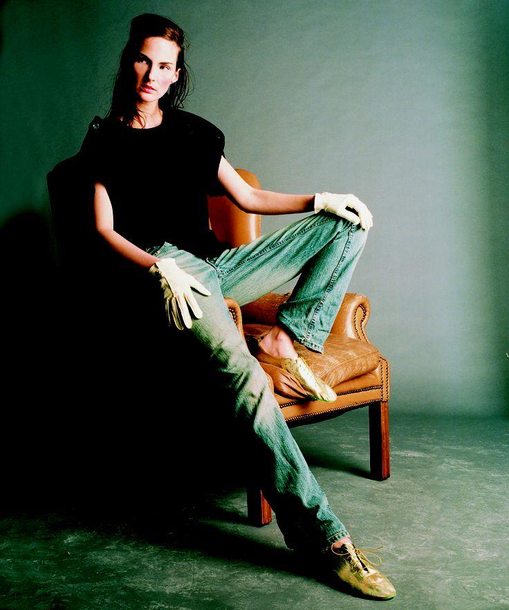 T-shirt Perspex Heel Gold Broques both JOANNE HYNES 2001