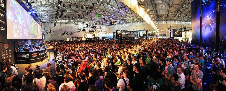 Gamescom 2015 : la réalité virtuelle à l'honneur - http://www.frandroid.com/marques/htc/302129_gamescom-2015-realite-virtuelle-a-lhonneur  #HTC, #Jeux, #Réalitévirtuelle