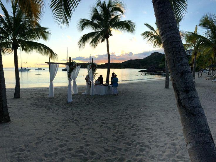 Wedding on the beach at The Inn