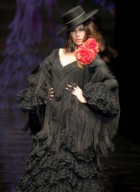 Colección Las Brujas. Desfile Simof