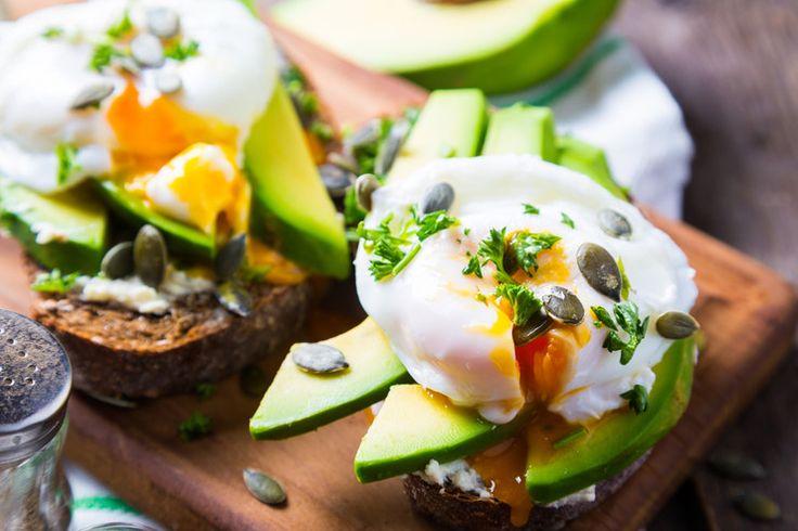 """Stosując dietę odchudzającą, nawet idealnie zbilansowaną, często zdarza się, że mamy ochotę na coś """"niezdrowego"""". Sięgając po kaloryczne produkty, niejednokrotnie niweczymy cały wysiłek i wyrzeczenia ..."""