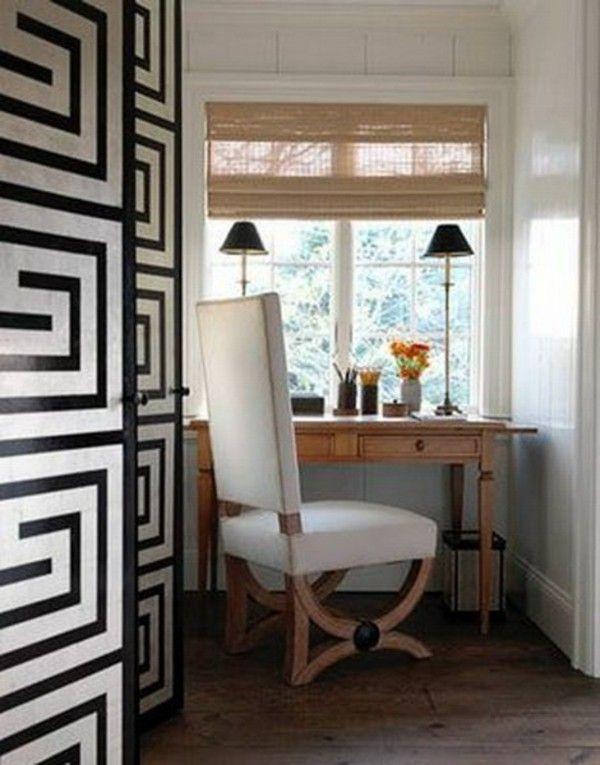 Pintu Pintu Ruangan Di Cat Dengan Bentuk Geometris