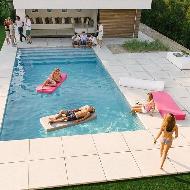 62 best jackie floating lounger images on pinterest for Massenhoven top interieur