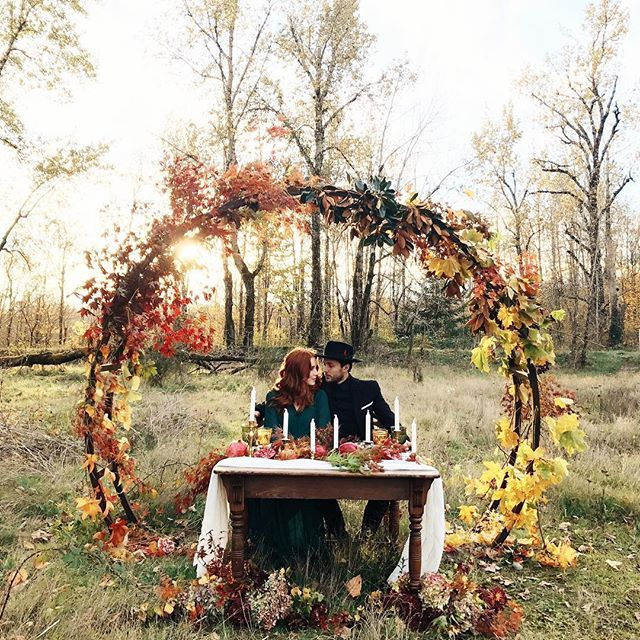 iPhone snap of today's styled shoot! So happy to be able to create with other creatives❤️🍂 Hair&makeup:@ilonakobylinsky  Floral:@stemmfloral  Models:@ioegreer&@maddiegreer Styling:@le_karina  Rentals:@classic_vintage_rentals  Dishes:@pearlyo  Arch rental:@whimsywillowrentals #fall #fallwedding #autumn