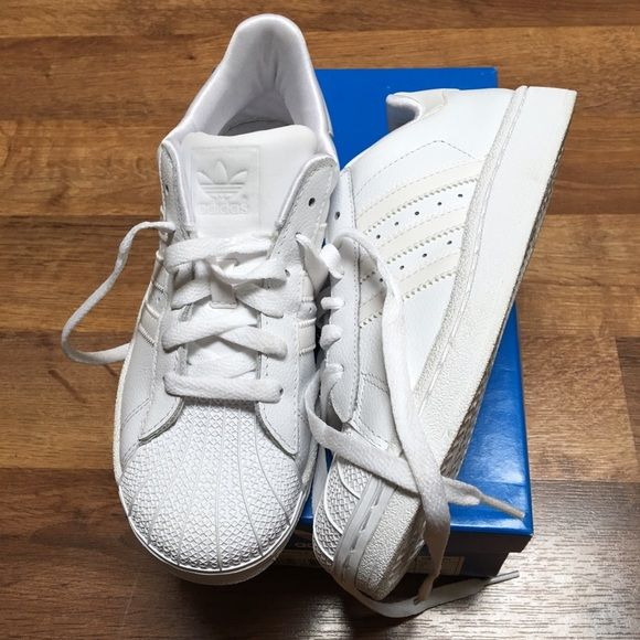 cheap for discount eafec c17d8 ... Adidas superstar allwhite kids3.5 fits women 5.5-6 Worn once are a pair  ...