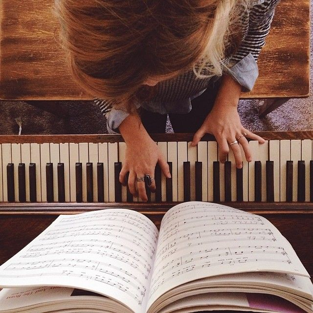 Best 25+ Piano Senior Pictures Ideas On Pinterest