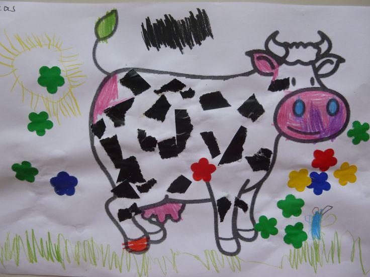 Koe: vlekken scheuren, erbij tekenen en bloemetjes plakken.