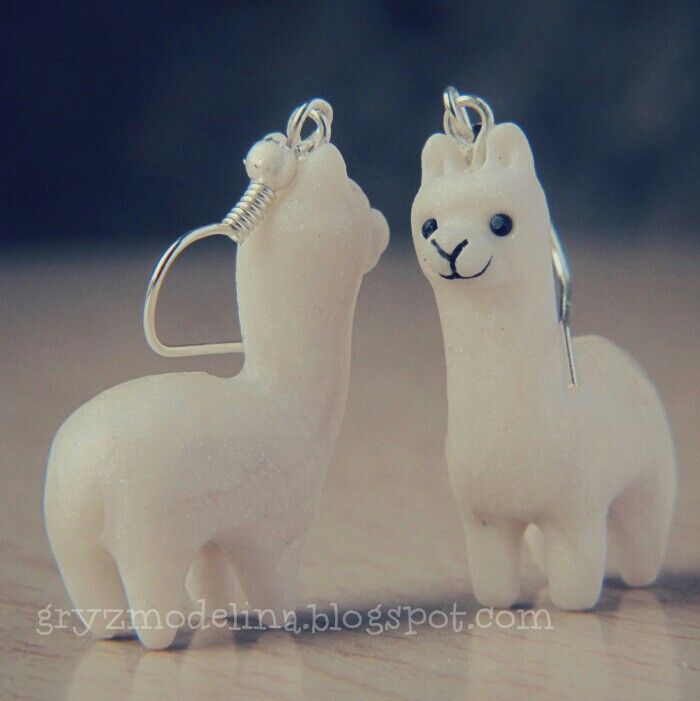 Polymer clay llamas earrings gryzmodelina.blogspot.com