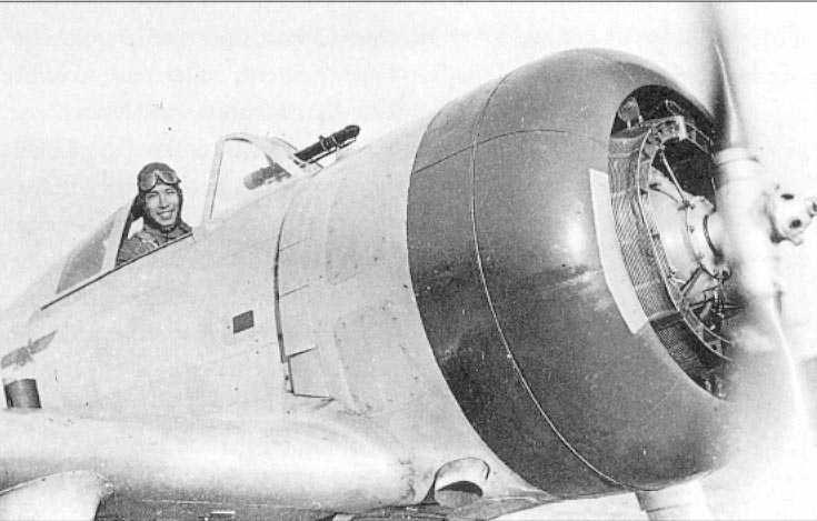 Dotado del fiable motor radial Nakajima Ha-1b, el sargento mayor Hiroshi Sekiguchi sonrie en la cabina de su Ki-27 (1er Chutai/64 Sentai) antes de partir en una misión en el verano de 1939. Sekiguchi lograría derriba un total de siete aviones.