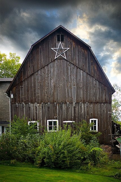 50 best images about barns and produce stands on pinterest for Traditional barn kits