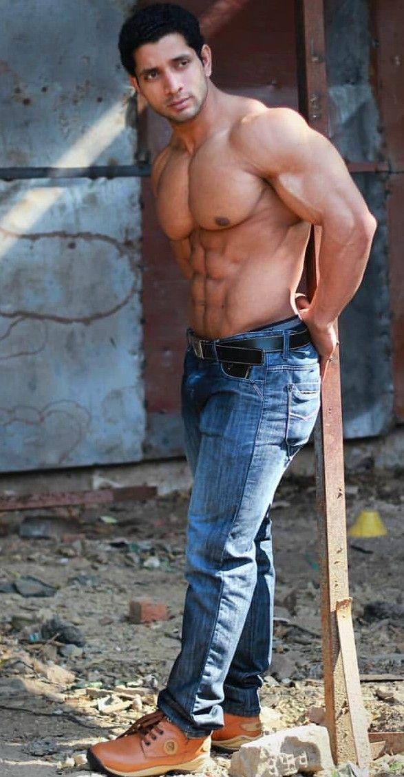 latino men hot muscle