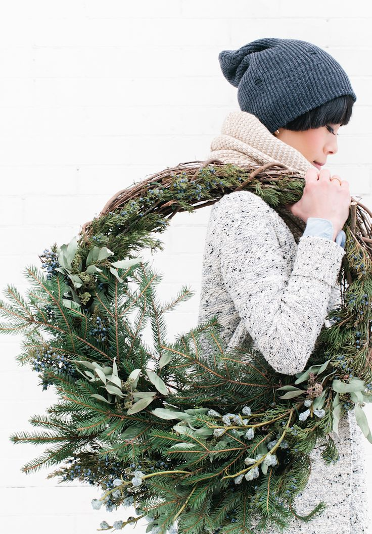 Green Rustic Winter Holiday Wreath. Click through for the details. | glitterinc.com | @glitterinc
