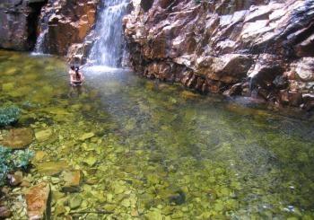 Cachoeira do Dragão Voador -   Pirinópolis/GO  http://www.pirenopolis.tur.br/multimidia/imagens/Atrativos%20naturais/Cachoeiras%20dos%20Dragoes