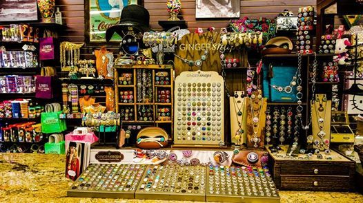Gingersnap Jewelry Display Loris Drug Store Cool